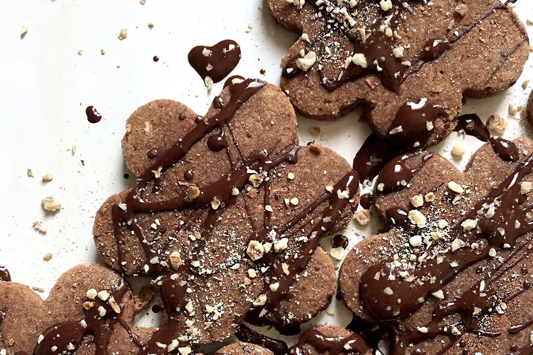 biscotti con okara di mandorle e granella di chufa