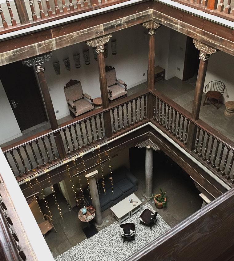 Shine Albayzin Granada interno