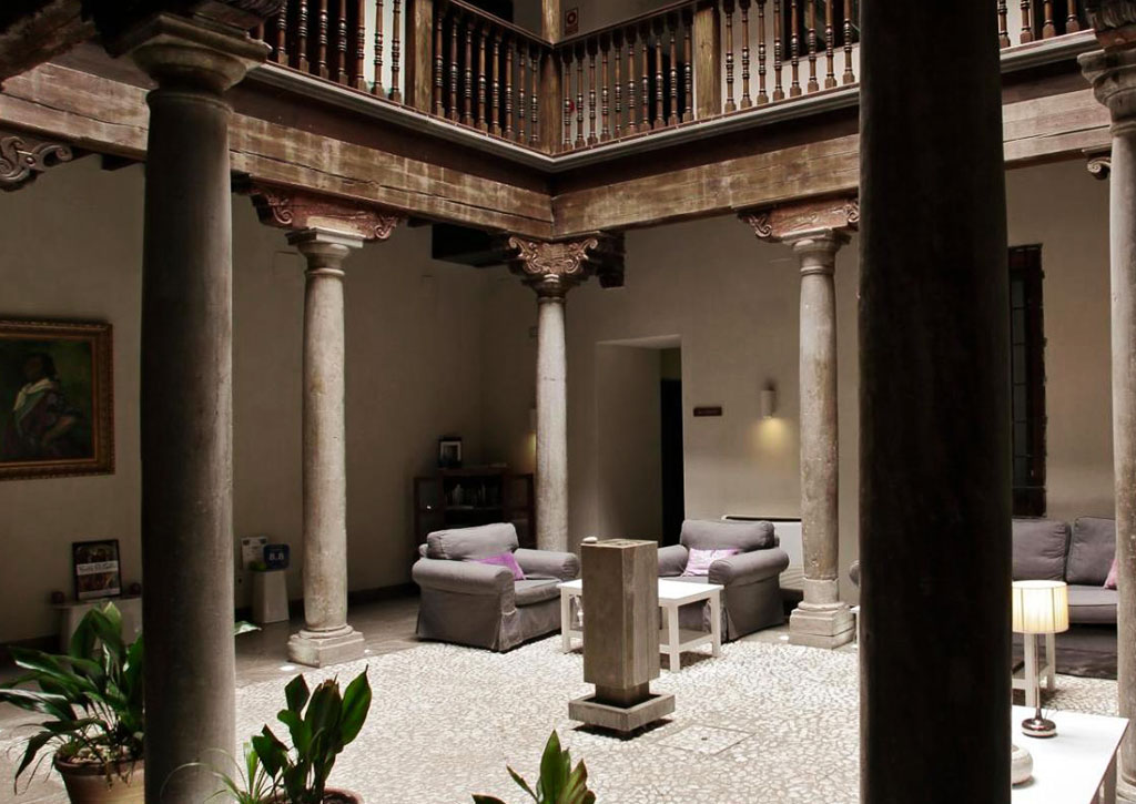 Shine Albayzin Granada